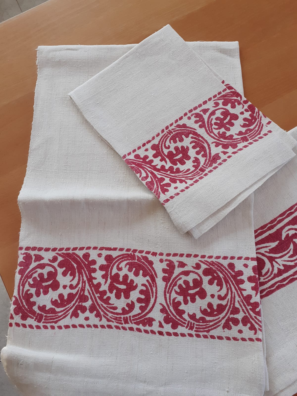 <B style='color:red'>SOLO BOLOGNA E PROVINCIA</B> - Set Fucsia bagno eleganti, stampati a mano Pascucci - asciugamano grande 70x110 asciugamano piccolo 45x65